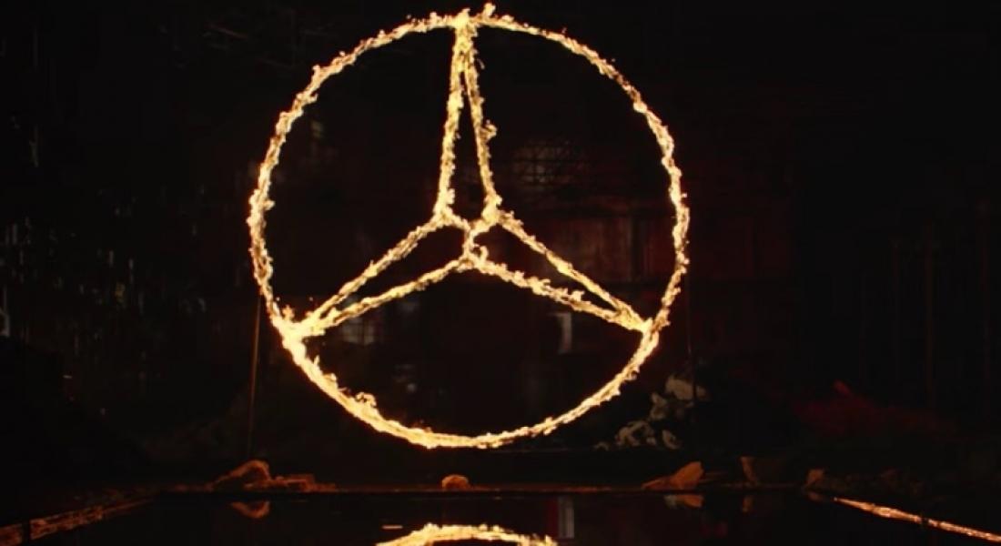 Mercedes in der Emo- Gothicphase